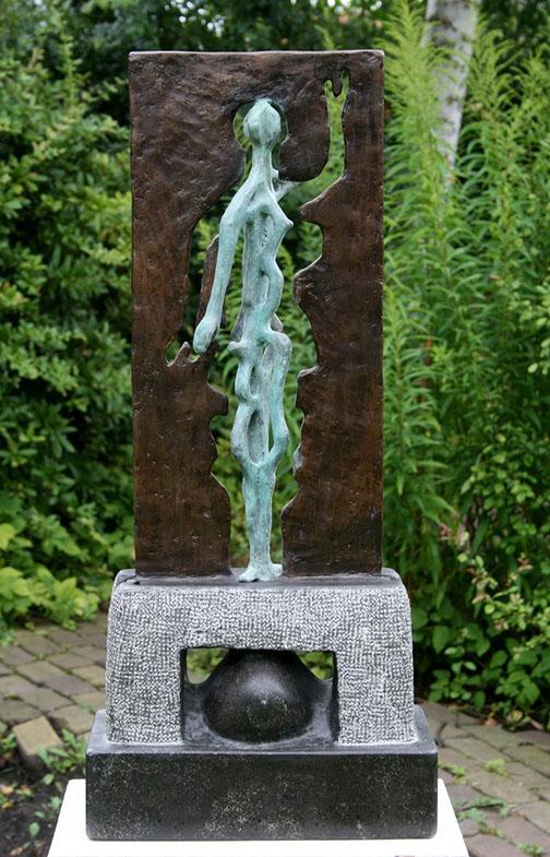 """""""Draai Naar Het Licht – 4"""" Brons, Hardsteen, Unicum"""